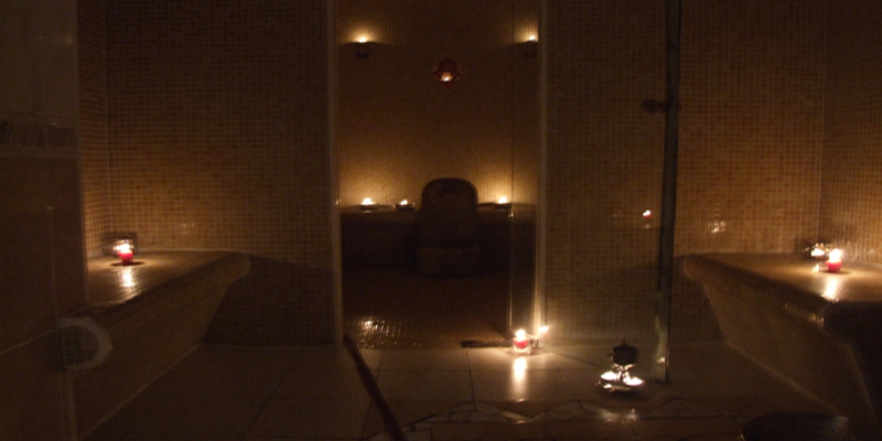 Spa amel l orientale massage paris massage naturiste for Salon naturiste