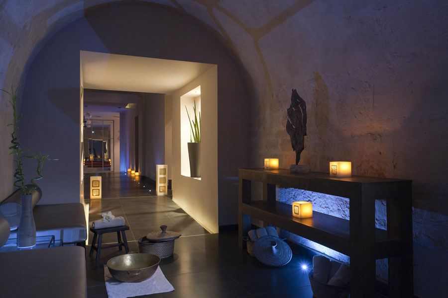 Spa 28 massage paris massage naturiste paris annuaire de for Salon naturiste